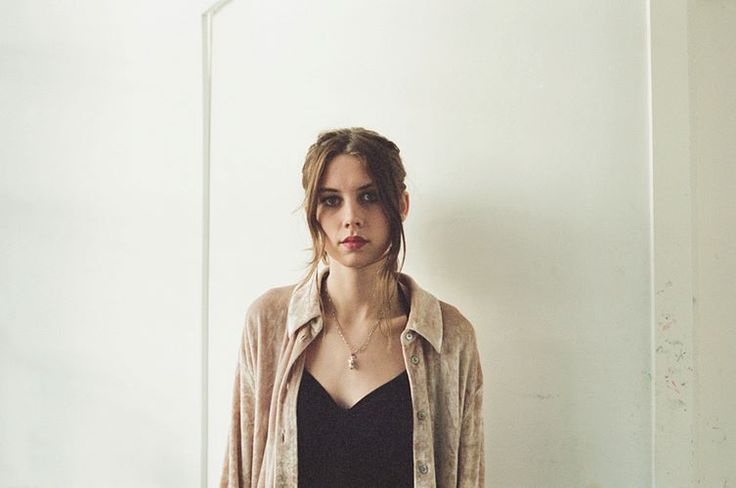 Ellie Roswell (Wolf Alice)