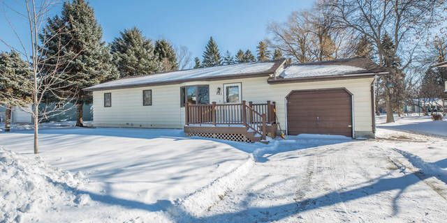 Enjoy the ease of one-level living in a great neighborhood with this sunny 3 bedroom home in Breckenridge! This home features an eat-in kitchen, low maintenance steel siding, high efficiency gas furnace with central air, composite deck, attached garage, storage shed and a full basement waiting for your finishing touches for lots of extra living space! Click Here for a 3D Tour: https://my.matterport.com/show/?m=oNdqpi5xYG2