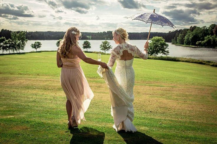 Help from my bridesmaid! #bridesmaid #weddingdress #lace