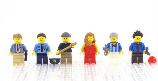 LEGO Creator Detective's Office Modular Building | The set includes 6 minifigures.
