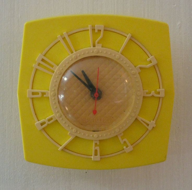Vintage Spartus Corp. Model 501 Yellow and Cream Wall Clock for Display and/or Repair by CanemahStudios on Etsy