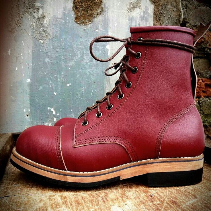 Boots shape is always gorgeous  Follow our instagram @prof_barnets to see many more