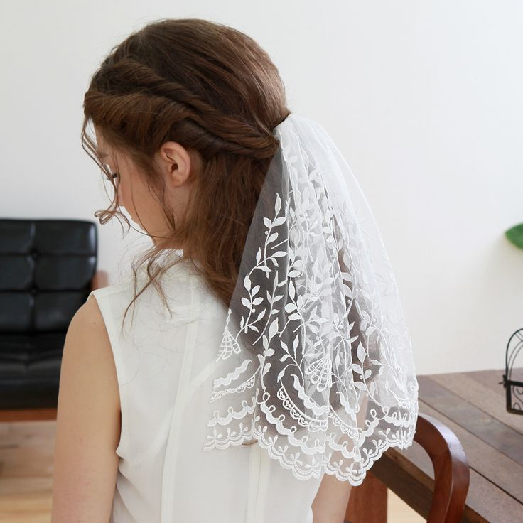 STYLE - #319 CODE:VEI007 Lace scallop veil. Bridal veil features lovely and whimsical floral pattern of embroidery on soft tulle.  Lovely scalloped hem make the veil more special. To order yours contact us at loca@localoca.co.za www.localoca.co.za