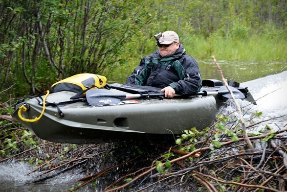 Designed to give sportsmen and outdoor explorers a motor-powered means of reaching more distant waters, Mokai ES-Kape is a jet propelled kayak that lets you reach fishing, hunting, and remote camping sites that were previously unaccessible. The light