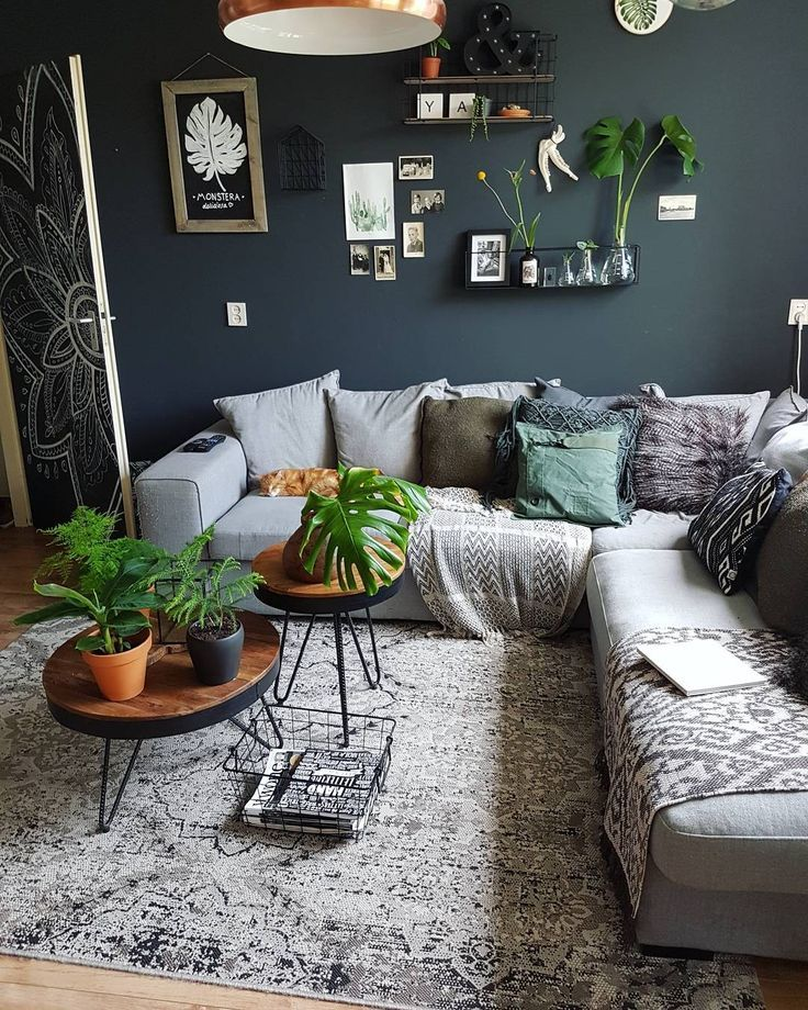 Living room boho urban jungle mostera green dark p…