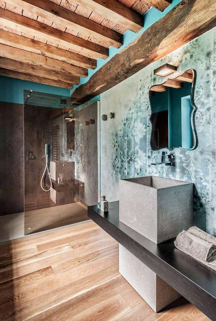 plafond-bois-poutres-apparentes-salle-bains-rustique