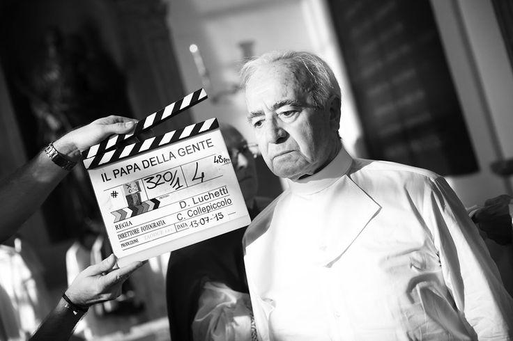 """La vita del papa in un film. """"Non sarà un film religioso, ma su una persona per cui la religione è stata motivo di vita, di speranza, di forza""""."""