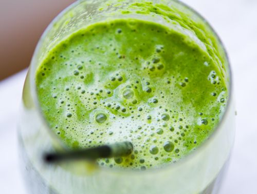 Green Smoothie to energize you day! #vegan #smoothie #green: Ice Cubes, Green Grape, Food Green, Whole Food, Cups Green, Food Smoothie, Coconut Water, Almonds Milk, Green Smoothie Recipe