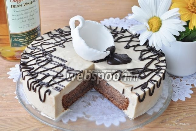 Ирландский кофейный торт  Этот торт не для детей, этот торт для взрослых. Яркий аромат виски с кофе. Прошу не спрашивать меня о возможности замены виски на сироп и т. д. Отвечаю сразу — не знаю, но ясно, что это уже не будет «Ирландский кофе», потому лучше эту тему закрыть, не открывая.  Торт — настоящая находка и фейерверк вкусов. Бесподобен всё с тем же кофе. При приготовлении аромат стоит такой, что голова идёт кругом. В исполнении не очень сложный, хотя некий навык необходим. Главное…