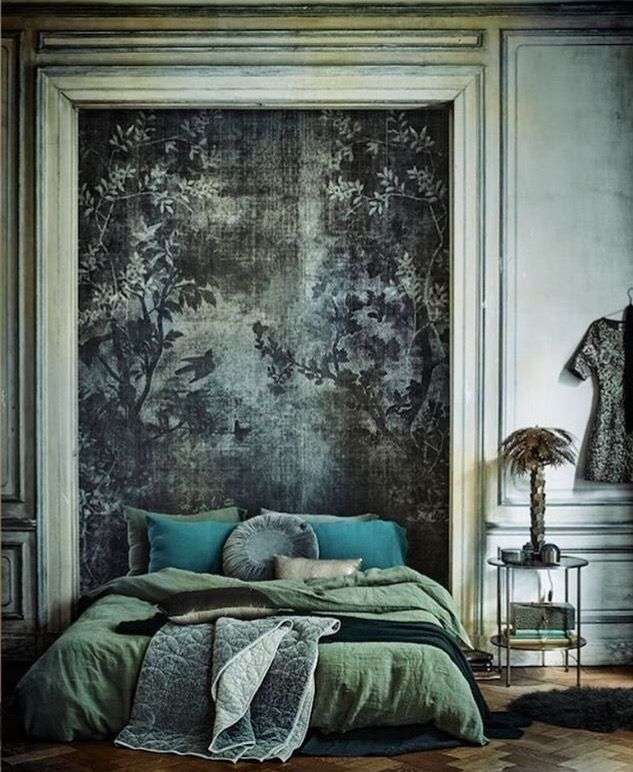 27f64cf0d2c074fbc9eda899555cae5e.jpg (633×772) - LOVING THIS ABSOLUTELY GORGEOUS ROOM, WITH MUTED TONES OF GREEN, POPS OF TURQUOISE, BEAUTIFUL 'BEDHEAD' & SUPERB DECOR! ⚜
