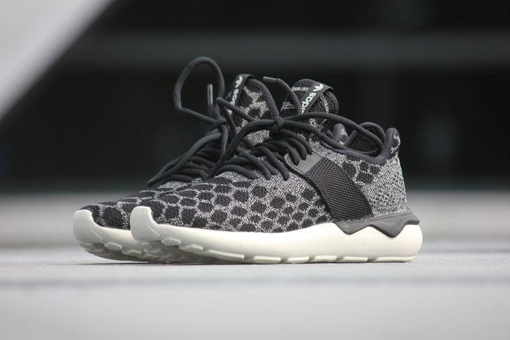 Adidas Tubular Runner Prime Knit Carbon Black - B25573