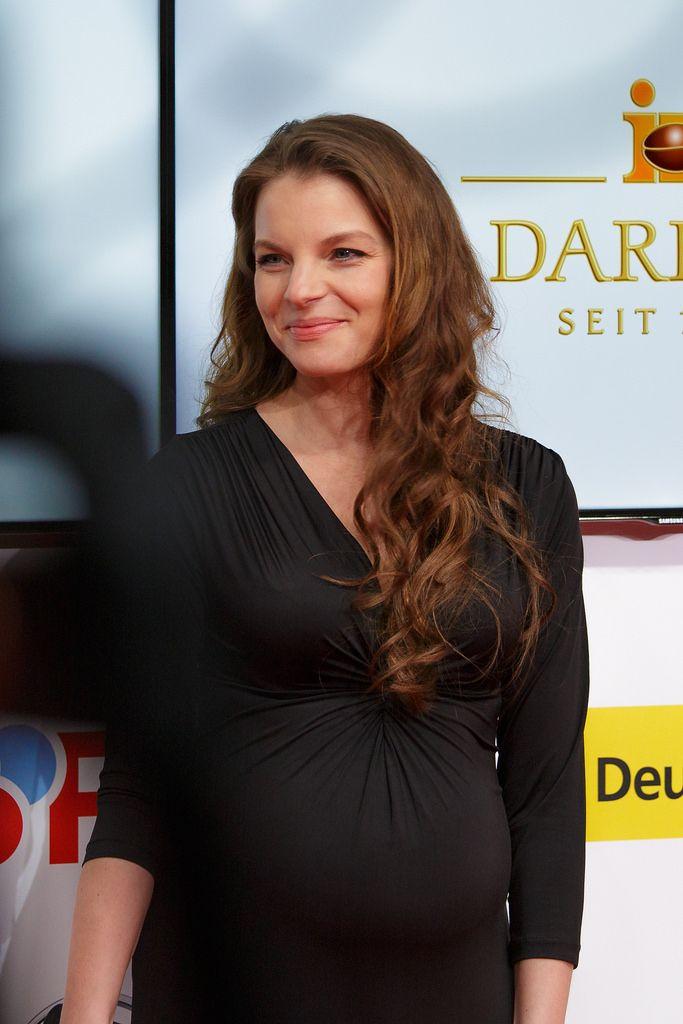 Pregnant Yvonne Catterfeld (683×1024)