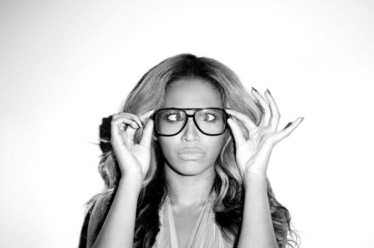 BET Awards 2012: Beyonce is the female R & B artist of the year!