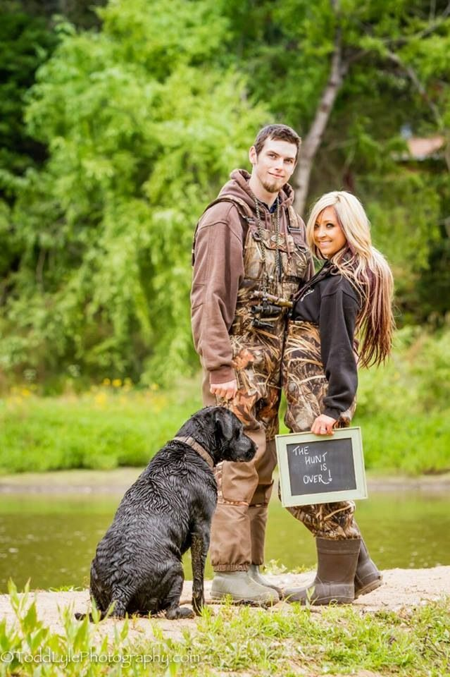 Engagement photos for the country couples who love to hunt!