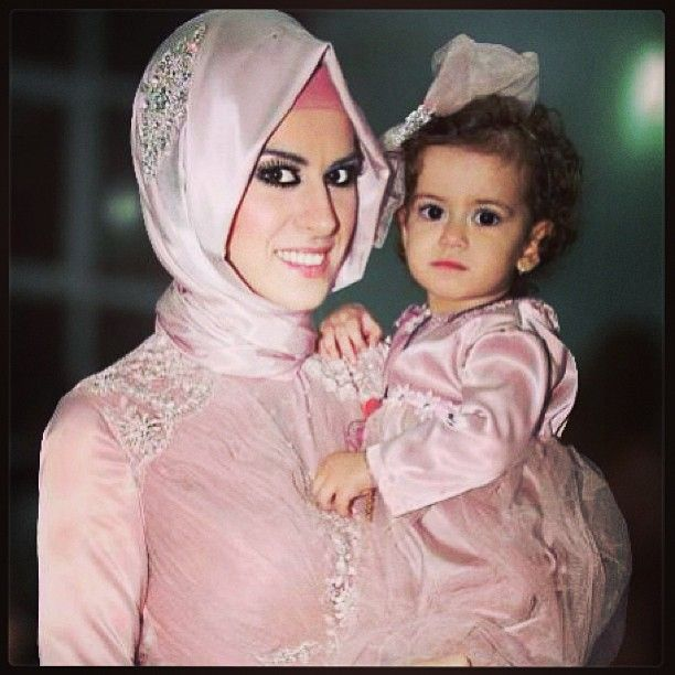 wedding, mom, hijab, abaya, make-up, girls, pink hijab, pink, baby, baby fashion, hijab fashion