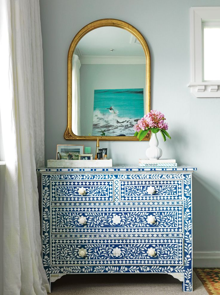 Bone inlay drawers & vintage gold mirror | Photo: Jane Ussher | courtesy of NZ House & Garden