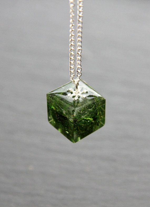Real Dried Green Moss Resin Handmade Pendant Necklace Cube Nature Modern Gift Elegant Clear Botanical jewelry Grass Minimalist / Made in UK