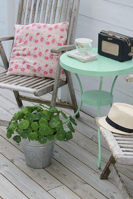 La maison de la baie: Petite table Before & After