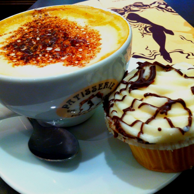 Cappuccino and vanilla cupcake