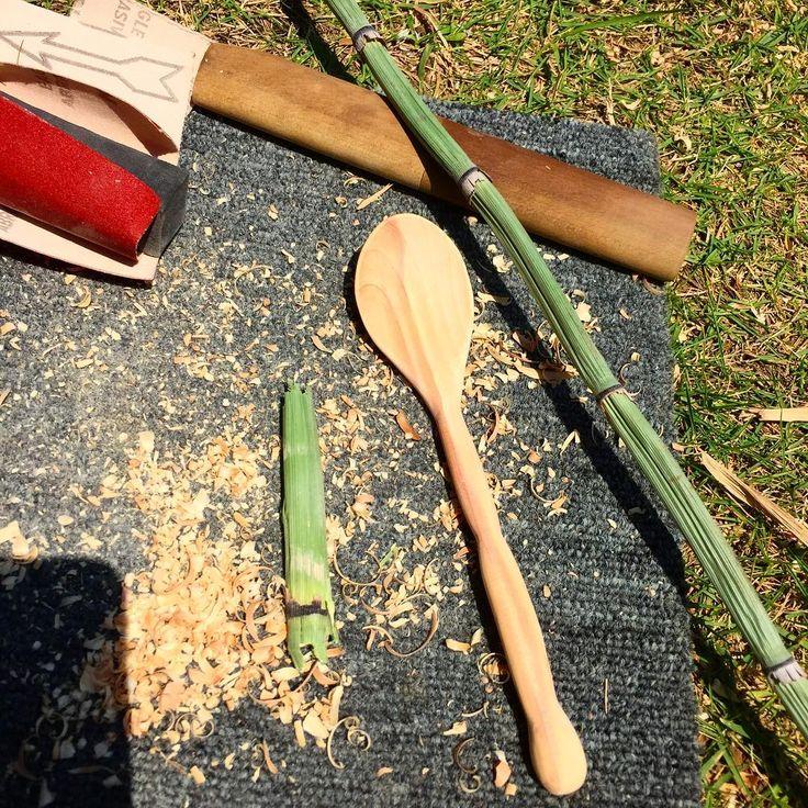 2日続けて木のWS✨ 昨日は木のスプーンを作ってビーガンランチを食べよう*\(^o^)/*✨ @wkskina さんのWS✨  掘り掘り♪削り削り♪やすりやすり♪ 今日は天然のやすりかけもできて(*´ω`*) 木のものってほんといいー!! 自分で作るのとっても樂しい  消しゴムのとってもやっぱり木にしたいなぁ。 思案中(๑ơ ₃ ơ)♥ #woodspoon #かいづかいぶき #木のスプーン