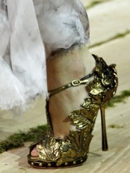 Alexander McQueen Shoes - The fantasy lives on as many style critics were relieved to watch a fashion show offering the same grandiose and overwhelming pleasure as the ones actually conceived by the late Alexander McQueen.