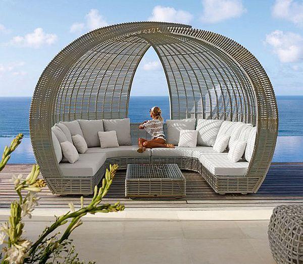 Beautiful Outdoor wicker furniture for more than one person ;-) Móveis para área externa com design inovador