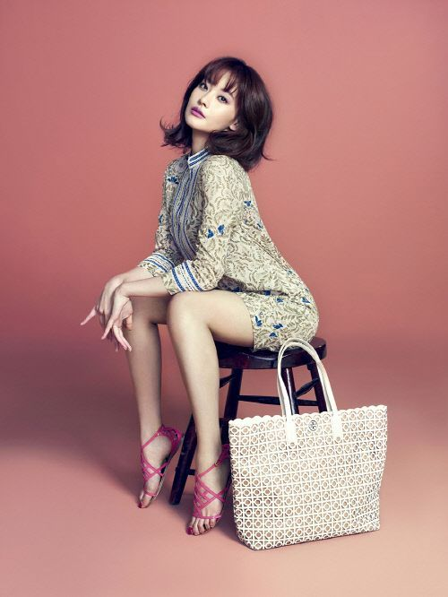 Oh Yeon Seo goes sexy chic for 'Tory Burch's new catalog