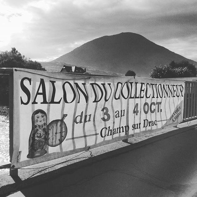 Alain Finet et le stand du 2 CV Club Dauphinois sont au Salon du Collectionneur de Champ-sur-Drac les 3 et 4 octobre 2015. Entrée libre et gratuite.