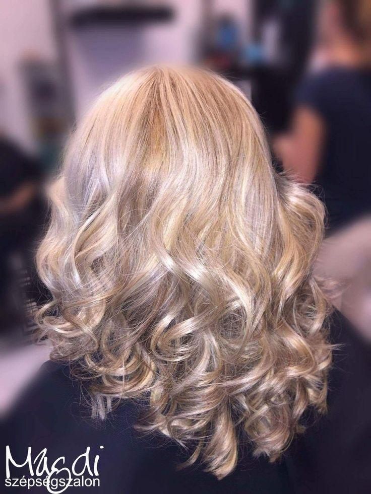 Ilyen gyönyörű hajjal öröm dolgozni 😃  #hairstyle #hair #hairfasion #haj #festetthaj #coloredhair #széphaj #szépségszalon #beautysalon #fodrász #hairdresser #ilovemyhair #ilovemyjob❤️ #hairporn #haircare #hairclip #hairstyle #hairbrained #haircut #hairsalon #hairpro #hairup #hairdye #hairstylist #haircuts #hairoftheday #hairgoals #hairideas #haircolor #hairstyles #blondehair