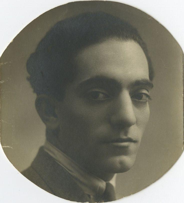Almada Negreiros at 26 years of age - 1919