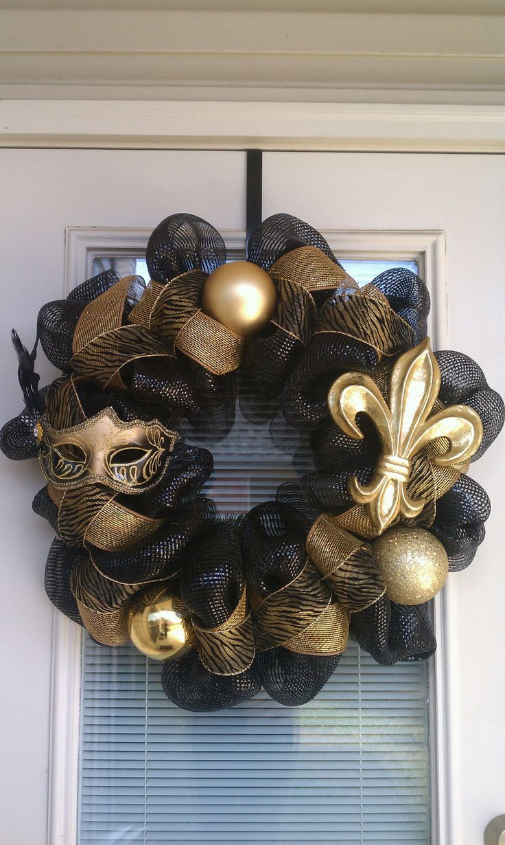New Orleans Saints WreathFootball Seasons, Ideas, That, Geaux Saint, New Orleans Saints, Front Doors, Saint Wreaths, Neworleans, Crafts
