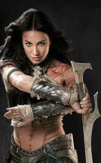 Lynn Collins in John Carter of Mars wow HOTTTTT! Fantastic movie btw! Look at her physic great warrior look for her as the princess of mars.