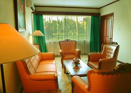 Living room at White Rose