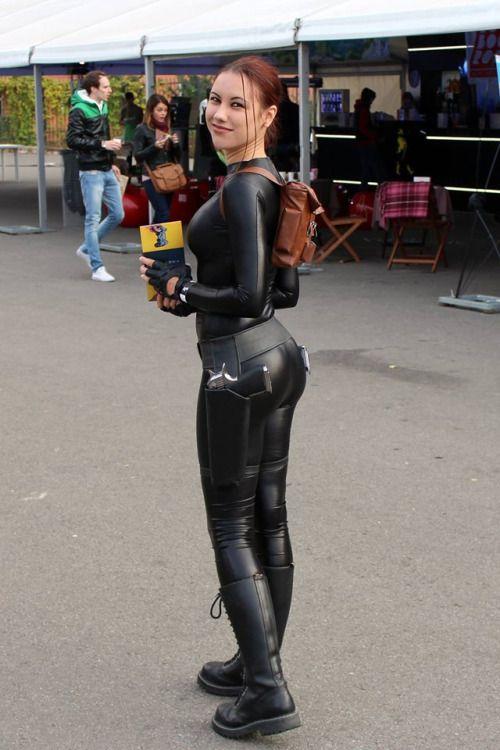 Tomb Raider | Tomb raider cosplay, Lara croft cosplay