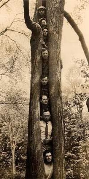 vintage everyday: Disturbingly Odd People from the Past