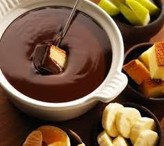The Original Melting Pot Chocolate Fondue Recipe (Actually the original MP recipe called for 1 Hershey's chocolate bar -- the owner told me)  INGREDIENTS:   8 oz. milk chocolate in chips  2 T. heavy cream  2 T. chunky peanut butter. Combine chocolate and cream in top of a double broiler and heat over simmering water.  Heat until chocolate is melting, stirring constantly.  Add peanut butter and stir until blended.  Keep fondue warm over low heat for serving.