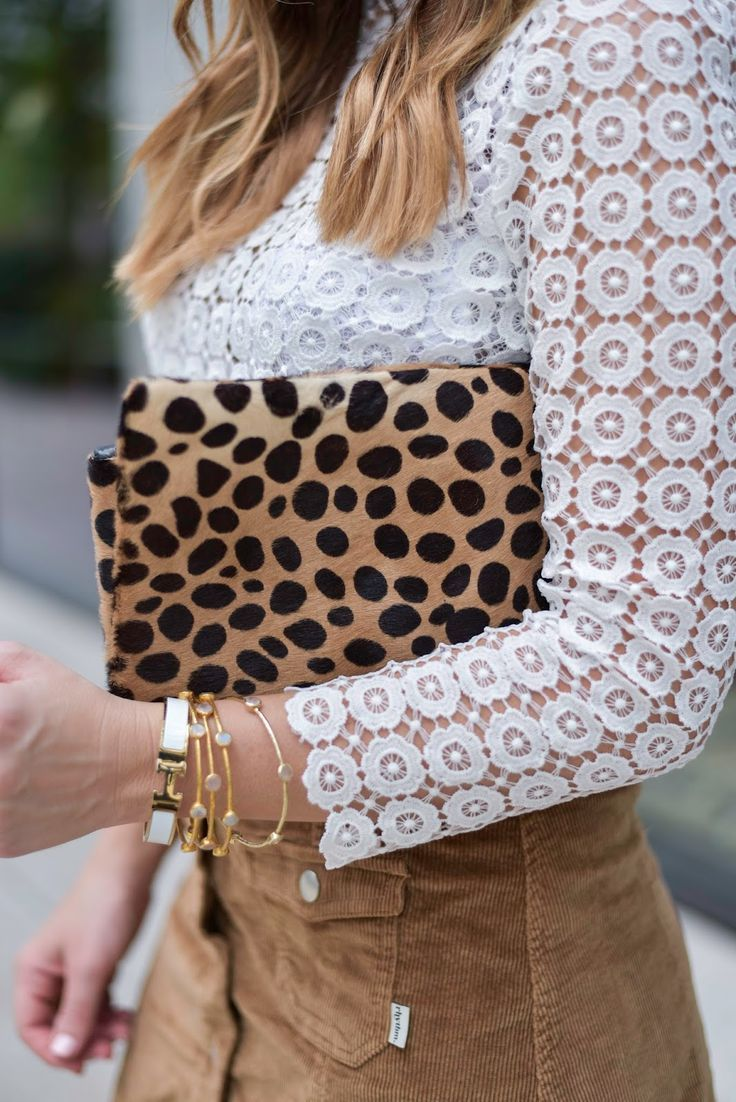 How to style a leopard clutch, click through to read how a leopard clutch can take a basic outfit up a notch | Flaunt and Center | Houston Fashion Blogger | Personal Style Blog
