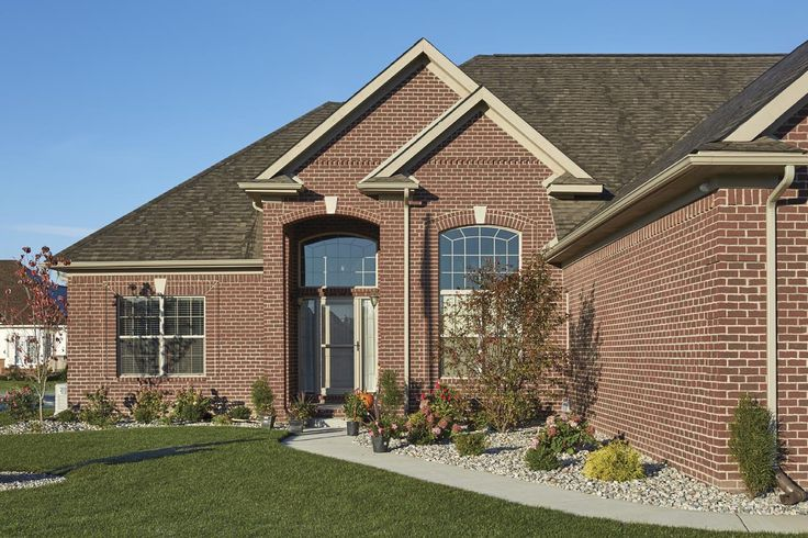 Crossroads Series. Marshall (Queen) | Clay Brick Commercial Application