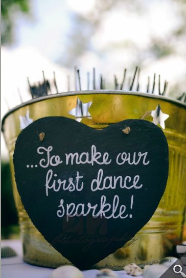 First dance sparklers - Yellow Paper Crane http://yellowpapercrane.blogspot.com/