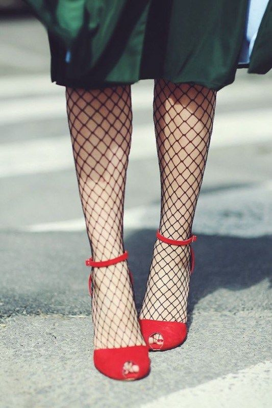 ClioMakeUp-trend-calze-rete-come-indossarle-ritorno-moda-stile-rock-bon-ton