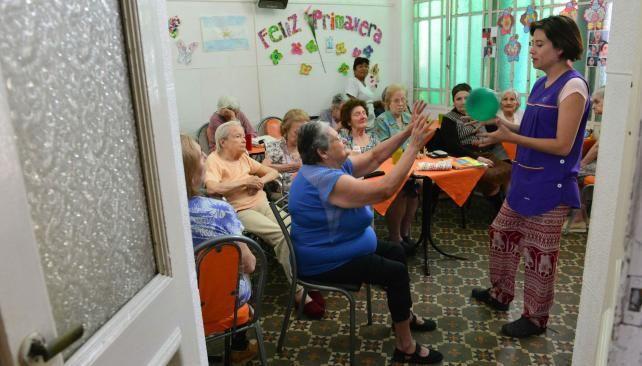 Geriátricos: cuestan entre ocho mil y 21 mil pesos por mes   La Voz del Interior   AdriBosch's Magazine