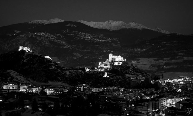 The castles by night #sion #valais #switzerland