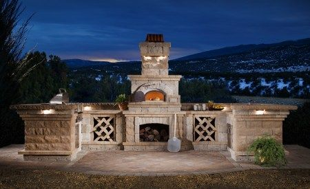 Outdoor Kitchen & Brick Oven from the Nottingham Collection. Perfect for entertaining this fall! #NottinghamElements