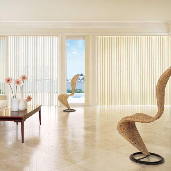Żaluzje pionowe Verticale - idealne zastosowanie znajdują w oknach i witrynach o dużych wymiarach. Idealne do biur czy hoteli. Szeroki wachlarz kolorów.