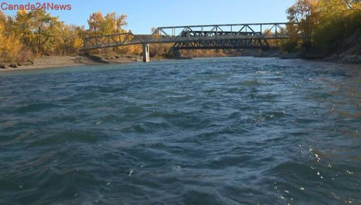 Bow River searched for bodies on Tuesday by Calgary police, firefighters
