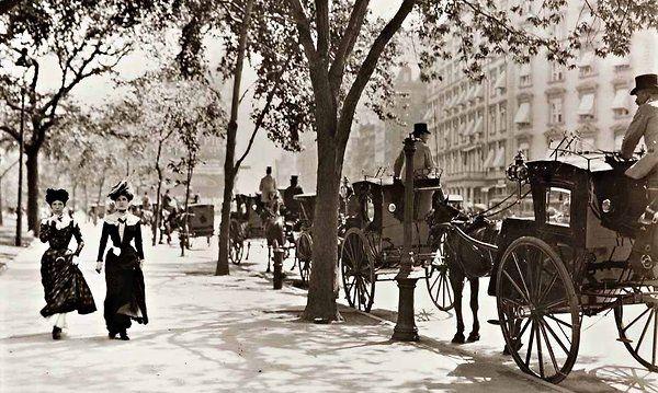 The Fifth Avenue Hotel, a fixture of the Gilded Age social scene.  Ciao Domenica