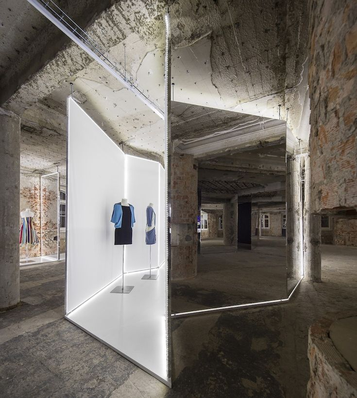 Felipe Oliveira Baptista exhibition at MUDE – Museu do Design e da Moda, Lisbon, Portugal. Exhibition design by Bureau Betak.