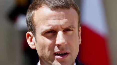 Décidément, après la présidence normale de François Hollande, Emmanuel Macron s'élance à 100% dans le style jupitérien. En plus de son annonce de s'exprimer devant le congrès, le 3 juillet, à la veille du discours de politique générale de son Premier ministre, il a fait savoir, ce mercredi 28 juin qu'il ne se pliera pas à la traditionnelle interview télévisée du 14-juillet. L'exercice existe pourtant depuis 1978. Mais selon l'Express, Nicolas Sarkozy, lui non plus, n'a...