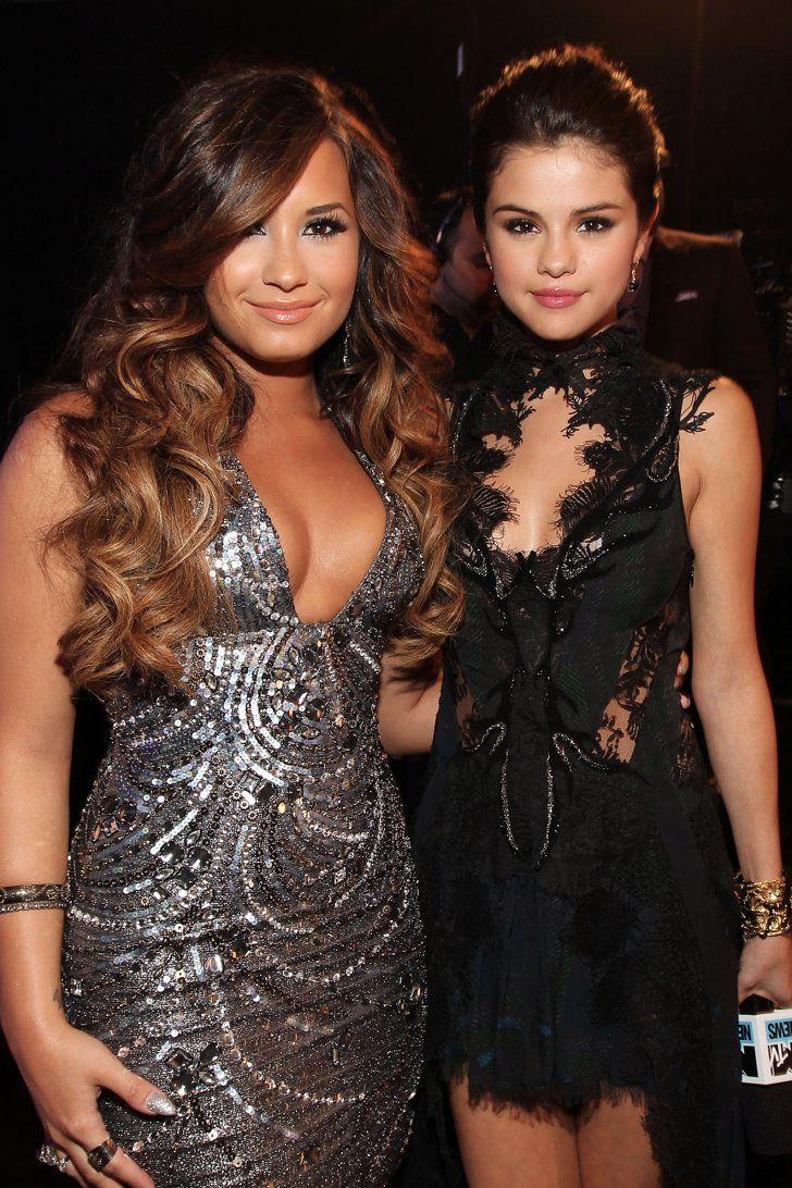 Ariana Grande Fangirls Over Demi Lovato's and Selena Gomez's New Albums