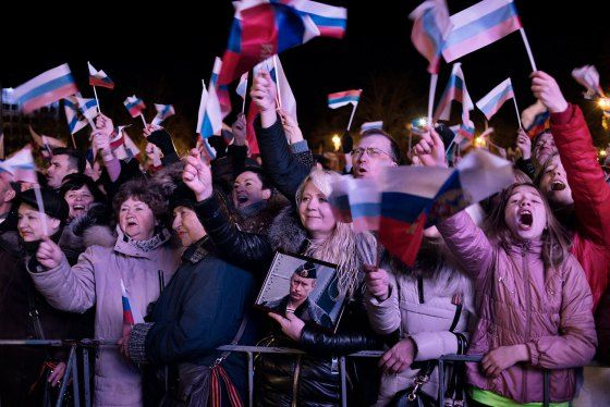 Crimea referendum: EU and US impose sanctions against 21 officials from Russia…